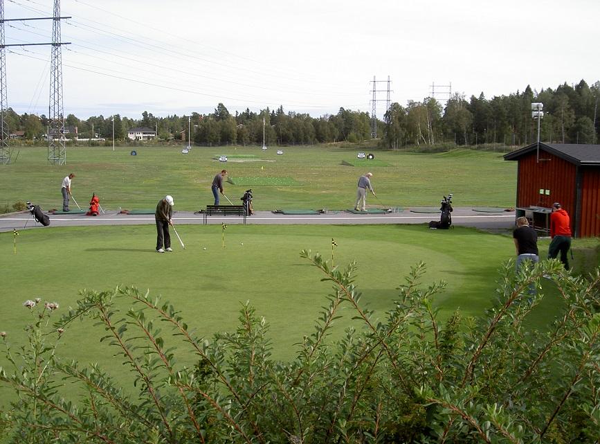 Driving range 2004